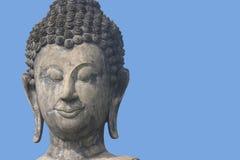 Buddha con cielo blu Immagine Stock