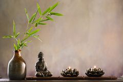 Buddha con la candela Immagine Stock Libera da Diritti