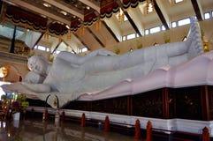 Buddha de reclinação fotografia de stock