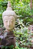 Buddha in der Thailand-Stucknatur Lizenzfreie Stockfotos