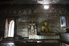 Buddha di seduta nel tempio reale della roccia, Dambulla, Sri Lanka Fotografia Stock