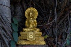 Buddha dorato in tempiale tailandese Immagine Stock Libera da Diritti