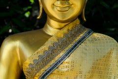 Buddha dorato in tempiale tailandese Fotografie Stock