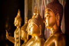 Buddha dorato in un tempio Tailandia Fotografie Stock