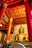 Buddha dorato in Wat Phra That Chang Kam Worawihan Fotografia Stock Libera da Diritti