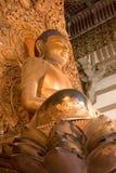 Buddha dourado, Byodo-no templo fotos de stock royalty free