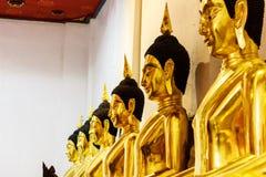 Buddha dourado no templo Fotografia de Stock