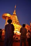 buddha dyrkan Royaltyfri Foto