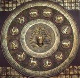 Buddha e segno 12 Immagine Stock