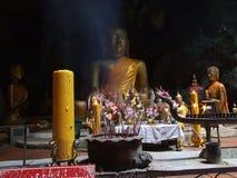 Buddha in einer Höhle Lizenzfreies Stockbild