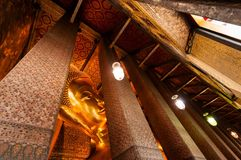 Buddha en el templo Fotos de archivo libres de regalías