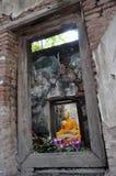 Buddha en templo antiguo Imagen de archivo libre de regalías