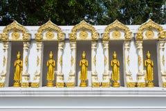 Buddha-Goldstatue Lizenzfreie Stockbilder