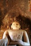 Buddha grande no templo antigo imagem de stock royalty free