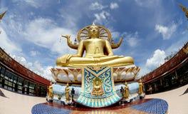 Buddha grande no templo de Wat Phra Yai Fotos de Stock