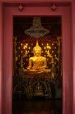 buddha guld- statyer Arkivbilder