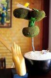Buddha-Hand im Badekurort Stockfotos