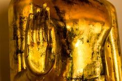 Buddha-Handstatue im Tempel Lizenzfreies Stockfoto