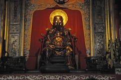 Buddha i den Zumiao templet Arkivbilder