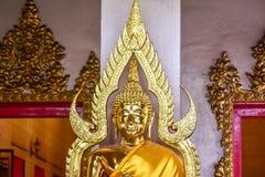 Buddha i en thailändsk tempel, i Bangkok Royaltyfri Fotografi