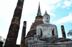 Buddha i forntida tempel Arkivbild