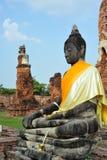 Buddha im Ruinetempel Stockfotografie