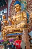 Buddha im Tempel Stockbild