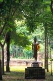 Buddha im Wald Lizenzfreie Stockfotografie