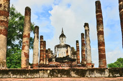 Buddha image with destroyed temple Royalty Free Stock Photography
