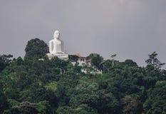 buddha jätte- bergstaty royaltyfri bild