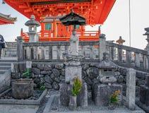 Buddha kamienia statua przy kiyomizu-dara, Japonia fotografia royalty free