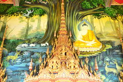 Buddha målning på väggen i tempel Arkivbilder