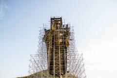 Buddha med konstruktion Arkivfoto
