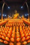 Buddha mit Kerze Lizenzfreies Stockbild