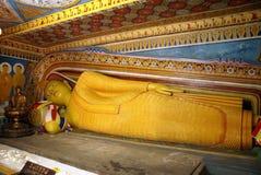 Buddha na caverna Imagens de Stock