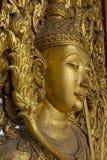 Buddha na drzwi przy wata Thammamun Worawihan świątynią Zdjęcia Stock