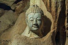 Buddha nella caverna Fotografia Stock