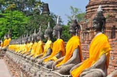 Buddha no pano amarelo Imagem de Stock Royalty Free