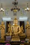 Buddha no templo Imagens de Stock Royalty Free