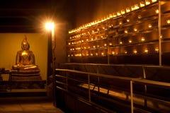 Buddha och stearinljus. Royaltyfri Foto