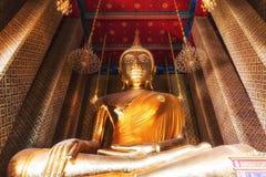 Buddha på Wat Kalayanamit, Bangkok, Thailand Royaltyfri Bild