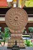 Buddha prega la ruota con il serpente Immagini Stock Libere da Diritti