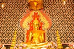 Buddha przy głównym ołtarzem Zdjęcie Royalty Free