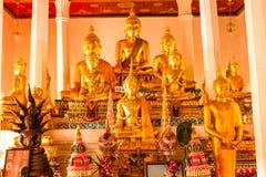 Buddha przy ołtarzem Zdjęcie Royalty Free