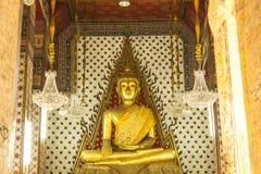 Buddha przy ołtarzem Zdjęcia Royalty Free