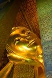 buddha reclining arkivbild
