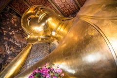 buddha reclining Arkivfoto
