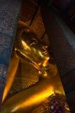 buddha reclining Arkivfoton