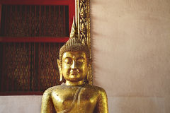 buddha reclining thailand Arkivfoton