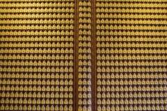 Buddha serie na ścianie w Wat-Leng-Noei-Yi2 świątyni, Tajlandia Zdjęcia Royalty Free
